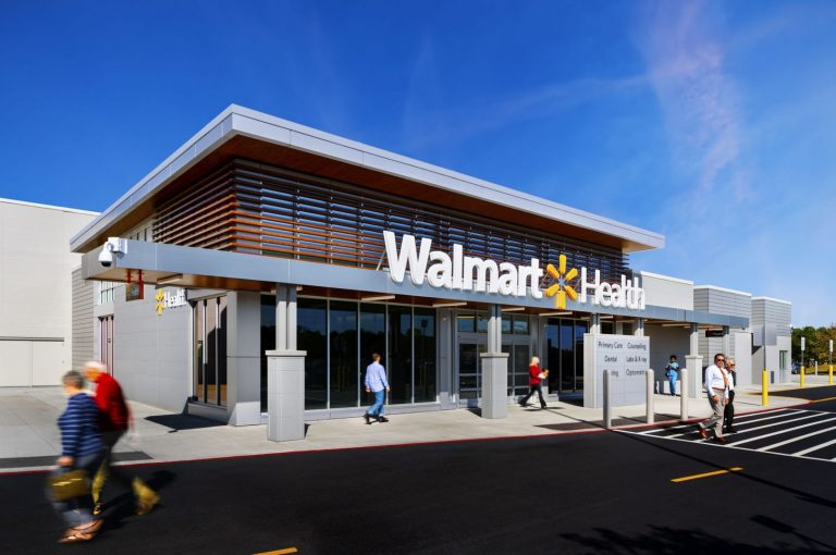 KBPHOTO_Massa_WalmartHealth_DALLAS__10.17.19__Exterior_Daytime_03_v2_people1_webuse